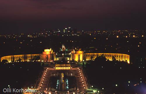 Pariisi, Chaillot'n palatsi, Palais de Chaillot, Eiffel-tornista nähtynä. Lintuperspektiivi.