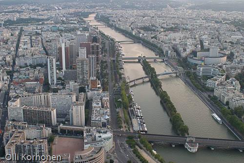 Pariisi, Seine-joki Eiffel-tornista nähtynä. Lintuperspektiivi.