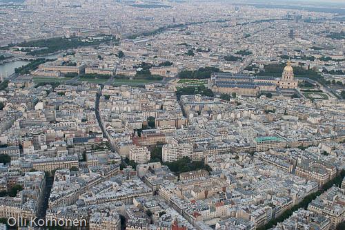 Pariisi, Invalidihotelli Eiffel-tornista nähtynä. Lintuperspektiivi.