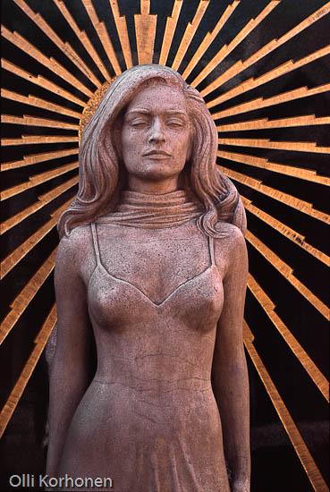 Laulaja Dalida'n hautamuistomerkki. Montmartre'n hautausmaa Pariisissa.