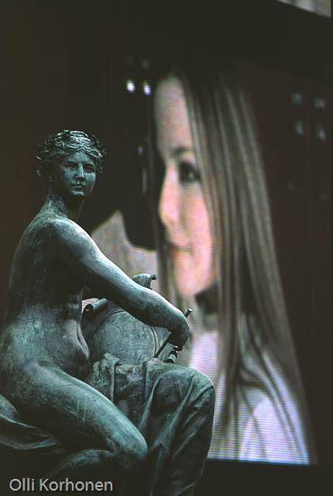 Kuva: Pariisin La Plage, patsas ja videotaidetta.