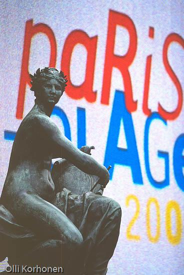 Kuva: La Plage, Patsas ja videotaulu. Pariisi.