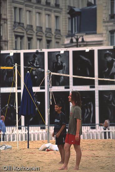 Kuva: Mustavalkoista valokuvataidetta Pariisin la Plage''lla.