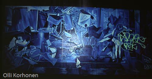 Picassomainen seinämaalaus, metroasema, Louvre'n lähellä Pariisissa.