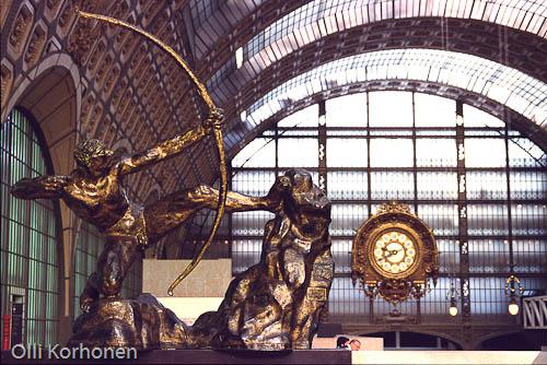 Pariisi, Orsay'n museon pääsali. Paris, Musee d'Orsay.
