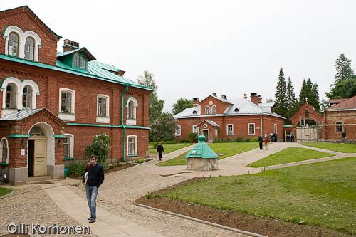 Kuva: Valamon luostarin rakennuksia.