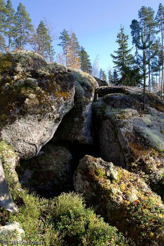 Maanalainen luola, Kylki-Kurikka.