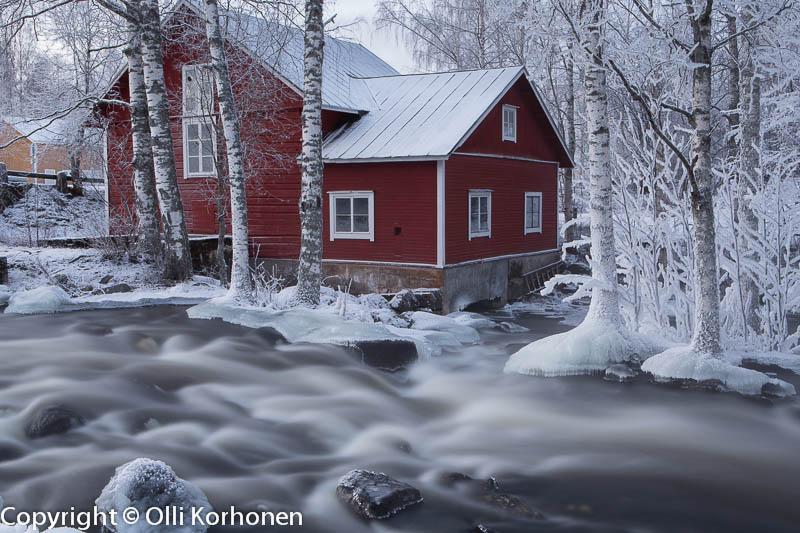 Talvinen koski-idylli Kerkonkoski Rautalampi. ISO 50, F22, 25s.