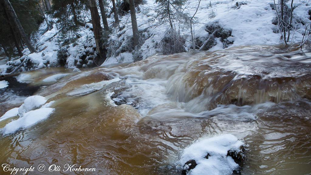 kourujoki,jäätynyt joki