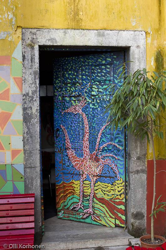 Sivuovi, Wolfgang Lass\'in taidepaja, Funchal.