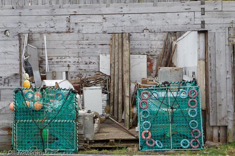 Kalastusvälineitä Vuoreijan satamassa.