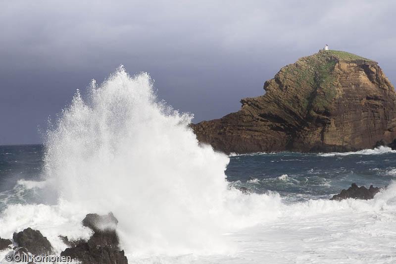 Rantatyrskyjä, Porto Moniz, Madeira.