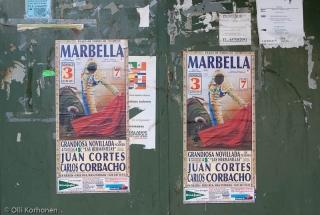 Härkätaistelumainoksia Espanjan Benalmadenassa 2011.