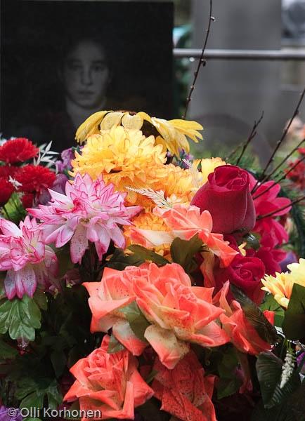 Venäläinen hauta kukkalaitteineen, Rukajarvi 2011
