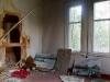 Hylätty Nalle venäläisessä talossa: olohuone.
