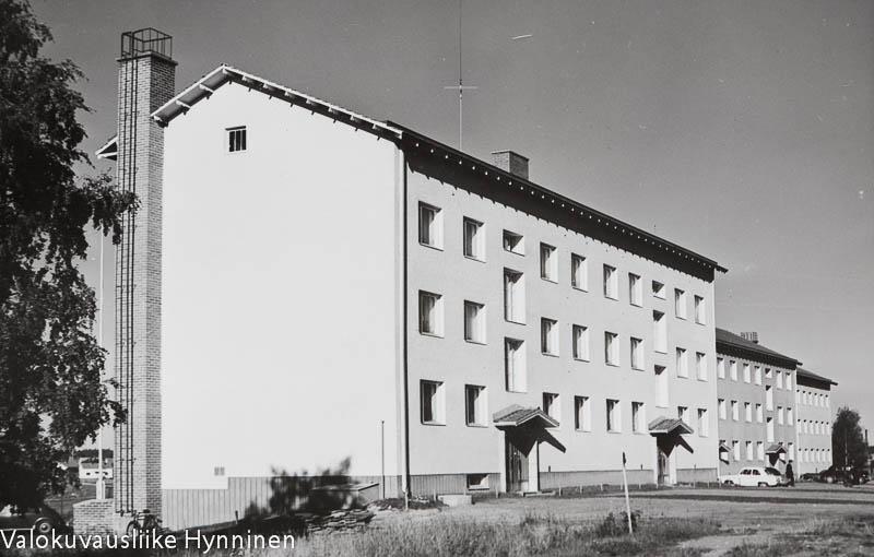 Kajaani, Tehdaskatu, Kajaani Oy, kerrostalo, 1960-luku.