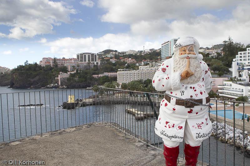 Joulupukki Pontinhan ruhtinaskunnassa. Funchal, Madeira.