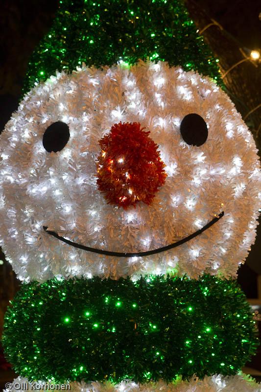 Lumiukko, jouluvalot, Avenida Arriaga, Funchal, Madeira.