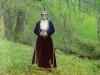 Armenialainen nainen kansallispuvussa.