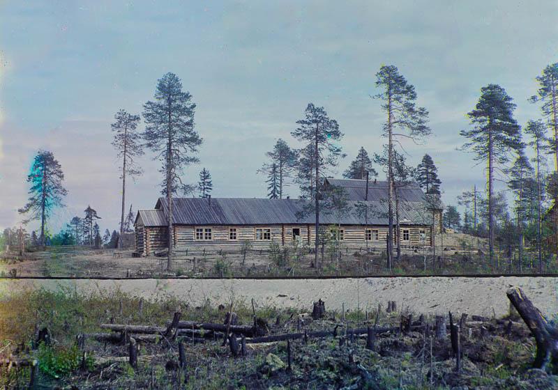 Sotavankileirin parakkeja Segezhan aseman lähellä.