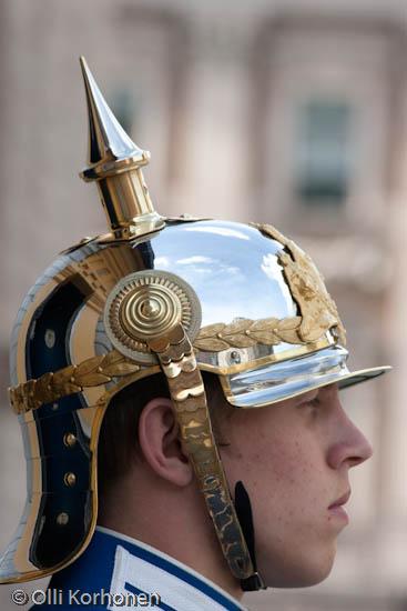 Kuva: Kuninkaanlinnan kypäräpäinen vartiomies, Tukholma.