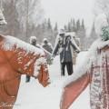 Niilo Rytkönen ITE-taidetta lumisella pellolla