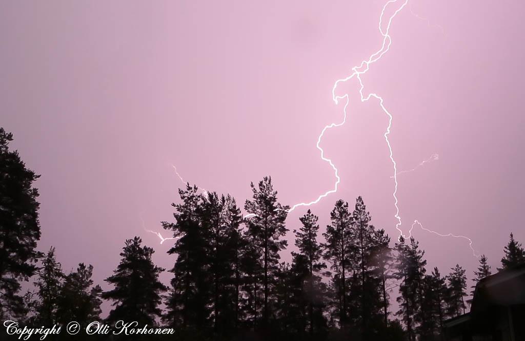 purppura salama,lila salama,liila salama,purple lightning